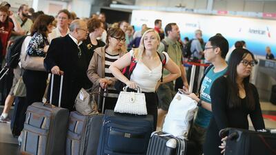 Suicida paraliza tráfico aéreo en Chicago