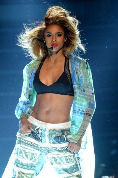 """Ciara con su canción  """"Body Party"""" se llevó según  """"Billboard"""" el onceav..."""