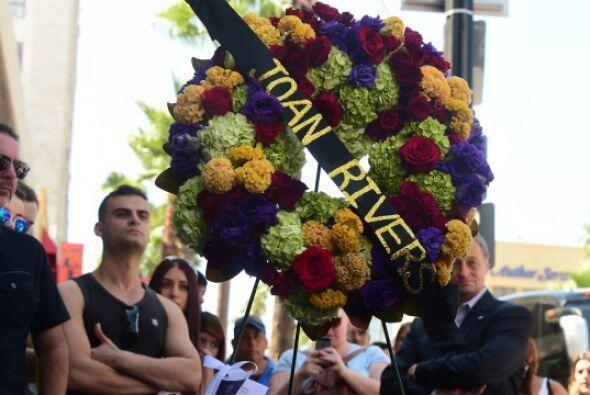 Aficionados inundaron las redes con mensajes de condolencia. En Los Ánge...