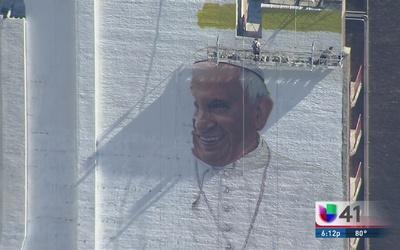 Mural del Papa Francisco en Manhattan
