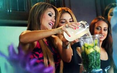 A las chicas las pusieron a beber jugo para adelgazar