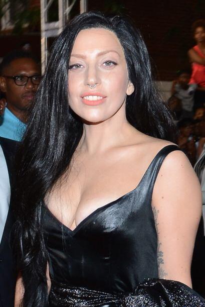 Lady Gaga ahorró tiempo para pasarse el cepillo y mejor opt&oacut...
