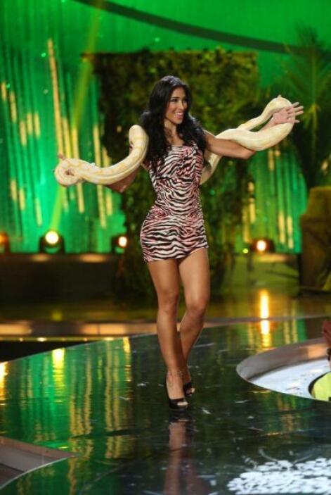La colombiana dijo que no le dio miedo cargarla, pero que sí pesaba bast...