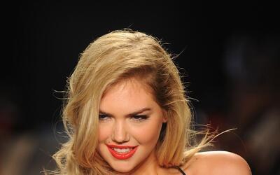 La espectacular y bella modelo estadounidense, anunció su compromiso con...