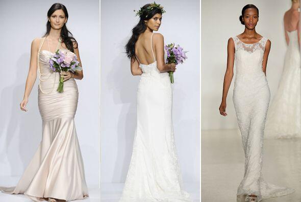 Escoge un vestido sencillo y cómodo, lo puedes buscar en cualquie...