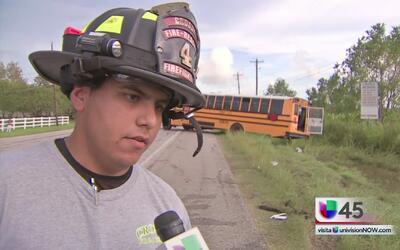 ¿Cómo terminó volcado un autobús escolar del distrito de Crosby?