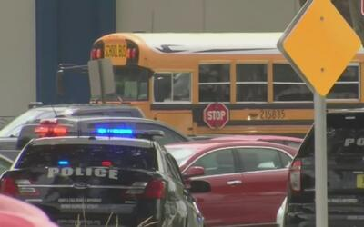 Un arma de juguete provocó caos durante cinco horas en una escuela de Co...