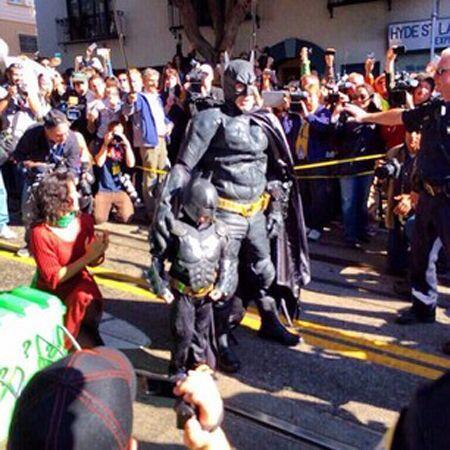 Miles siempre estuvo acompañado de Batman. Usuario @kjbruce. (Fotografí...