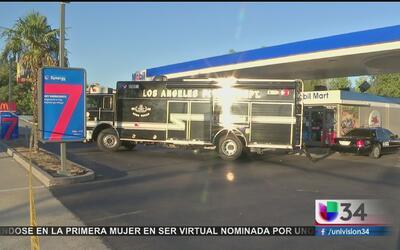 Decomisan camioneta cargada con fuegos artificiales en Sylmar