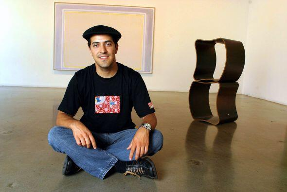 Hayek ha hecho varias exposiciones con sus muebles. Mira aquí los videos...