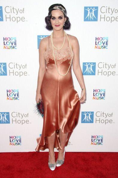 ¡Ahora tienen una idea de cómo luce Katy Perry en camisón! Este tipo de...