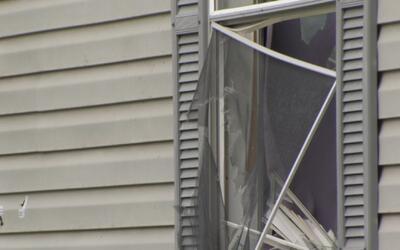 Dos sospechosos resultan heridos por el propietario de una casa que inte...