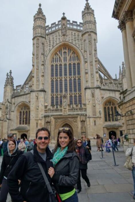 Otro de los sitios que visitó Calderón fue la Catedral Bath Abbey.