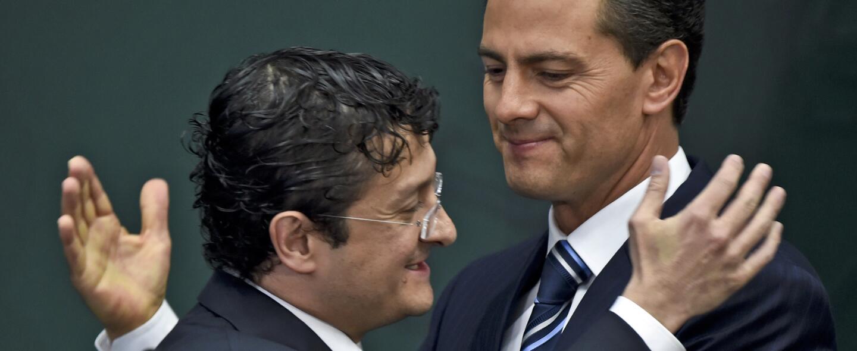 Virgilio Andrade junto al presidente mexicano Enrique Peña Nieto
