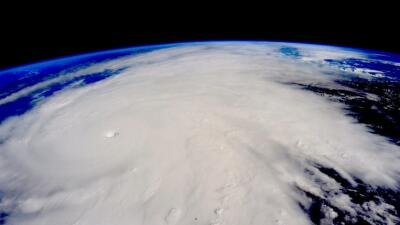 Patricia llega a Jalisco como un huracán CAT5