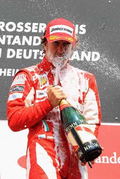 Alonso tiene todavía ocho carreras para intentar alcanzar a Lewis...