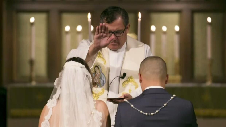 Erwin Mena ofició bodas, bautizos y funerales sin ser sacerdote