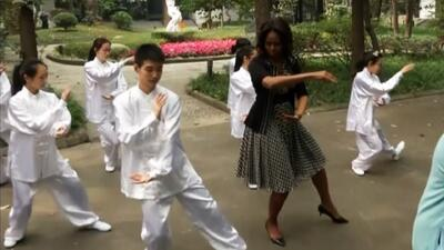 Michelle Obama bailó, brincó y hasta practicó Tai Chi Chuan en su visita...