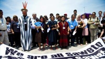 Miembros de la comunidad indígenaAsheninka se manifiestan en Lima.