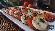 Ensalada italiana con aderezo de vinagre balsámico
