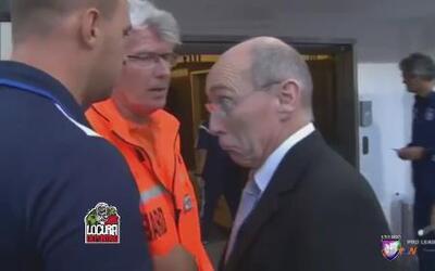 Tropezón por sangrón del técnico del Anderlecht de Bélgica