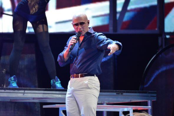 Pitbull llegó candente a los ensayos.