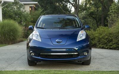 Con 107 millas de rango, el Nissan Leaf 2016 es uno de los vehícu...