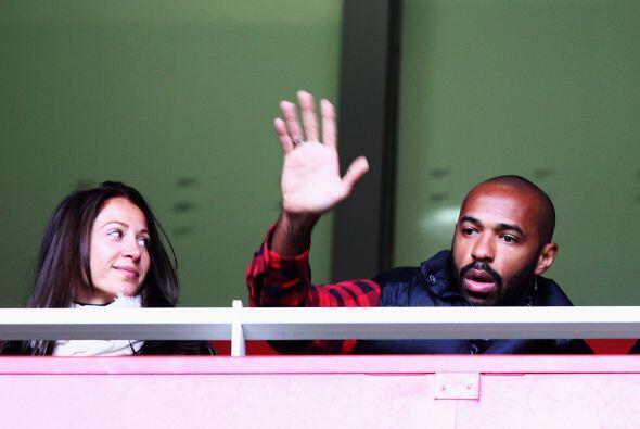 El francés Henry estuvo en las tribunas mirando a su nuevo club.