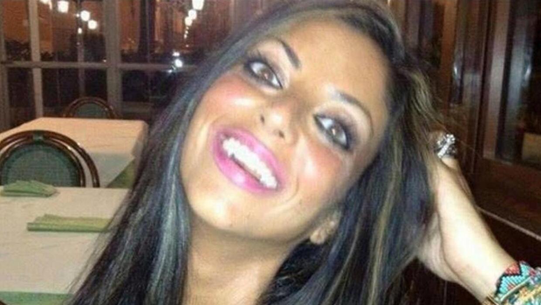 Joven italiana se suicida después de un año de batalla legal sobre un vi...