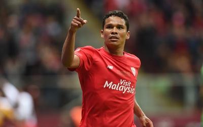 El delantero colombiano se convierte en rossonero para la 2015-16