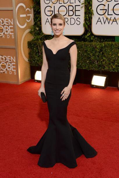 Emma Roberts apostó por la elegancia del negro y no se equivoc&oa...