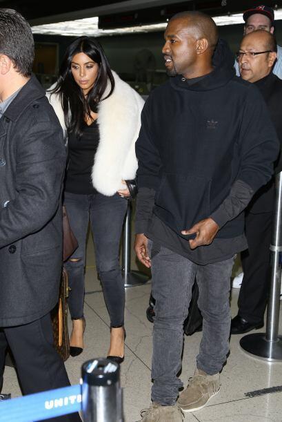 Nos da gusto ver a Kanye de tan buen humor, por lo general se esconde de...