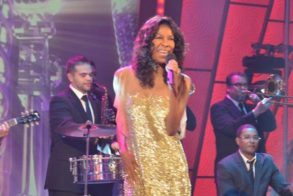 Ella interpretó 'Quizás, quizás, quizás' acompañada de grandes músicos q...