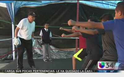 Exboxeador de 87 años ayuda a jóvenes del sur de Los Ángeles a salir de...