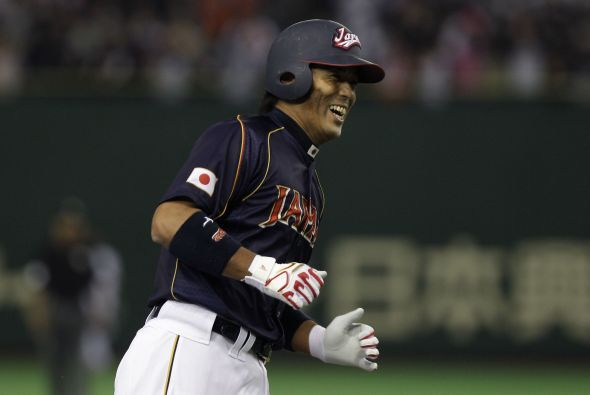 Atsunori Inaba hizo otro jonrón.