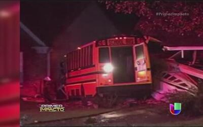 Un autobús escolar impactó contra una casa en Georgia