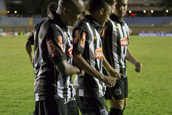 En tanto, el favorito del Grupo 5 es el Santos de Brasil (bicampe&oacute...