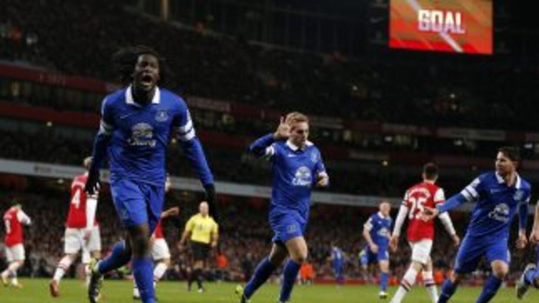 Los 'Toffees' festejaron el gol de Deulofeu para empatar con los 'Gunner...
