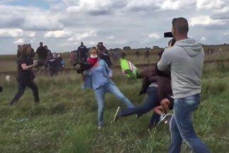Reportera agrede a migrantes en Hungria
