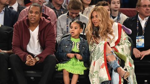 Beyonce luce su pancita en el juego All-Star de la NBA