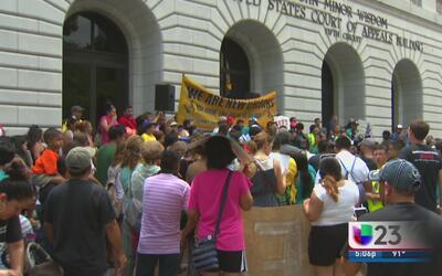 Cientos protestan en Nueva Orleans