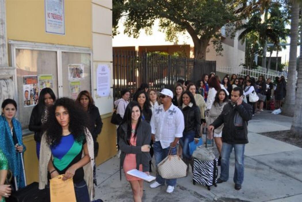 El Manuel Artime Theatre recibió a cientos de hermosas chicas.