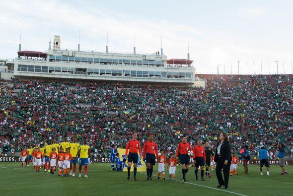La entrada para ver el México vs. Ecuador fue fenomenal en el Estadio Me...