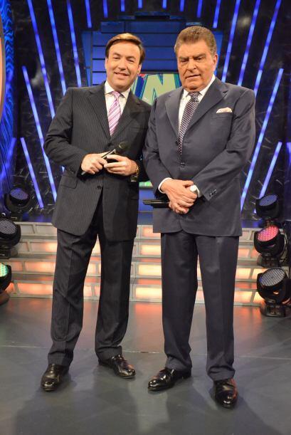 Los dos galanes del programa, mostrando su porte y gallardía. &ie...