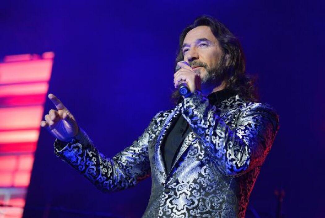 El músico y cantante Marco Antonio Solís ha tenido cientos de éxitos en...