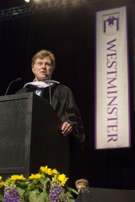 El actor Robert Redford pronunció el discurso en la graduación del Westm...