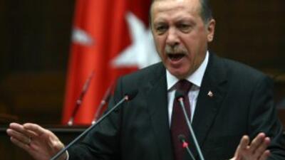"""El primer ministro turco advirtió que """"erradicaría"""" Twitter tras grabaci..."""