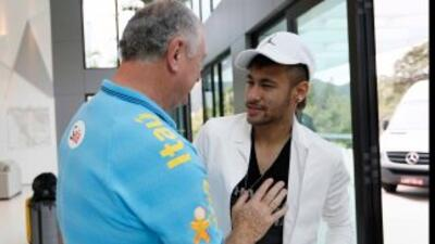Luiz Felipe Scolari y Neymar en la concentración de la selección brasileña.