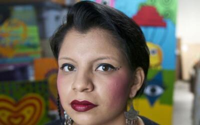 Inocente es mexicana pero creció en San Diego, California.