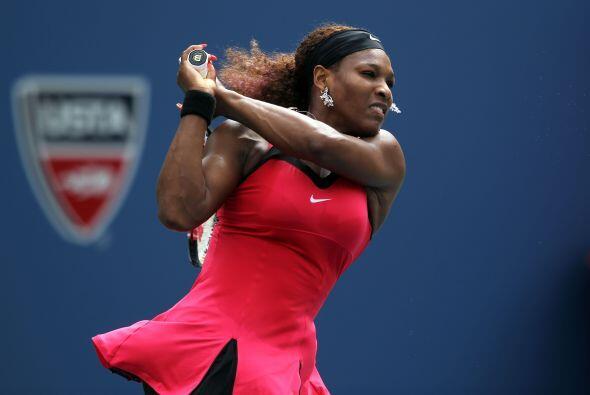 Serena se siente muy cómoda en las canchas de Flushing Meadows, y...
